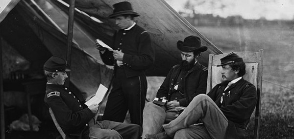 Civil War soldiers reading letter from home 631 jpg 800x600 q85 crop